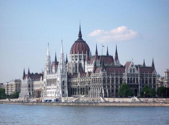 Budapest_Parlament-299-600-400-80